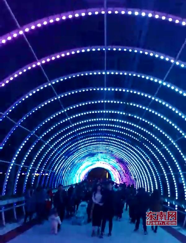 璀璨绚丽灯光扮靓莆田夜景 泗华溪、绶溪公园夜