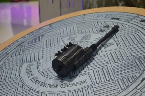 智能井盖:在井盖下方安装智能井盖传感器,通过压力倾角实时监控井盖状态。一旦发生位移损坏被盗窃的行为会实时告警。
