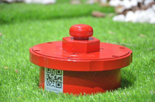 中国电信的智能消防栓:通过在园区消防双上加装基于NB-IoT的监控设备,实现对消防栓的位置定位及状态监控。